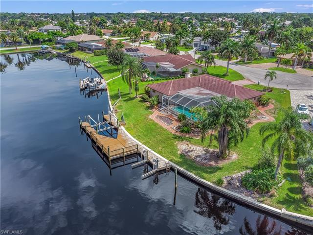 6634 Joanna Cir, Fort Myers, FL 33919