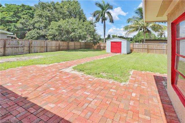 150 Brooks Rd, North Fort Myers, FL 33917