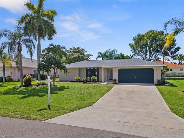 1424 Sw 49th St, Cape Coral, FL 33914