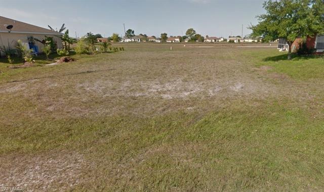 1218 Ne 19th Ct, Cape Coral, FL 33909