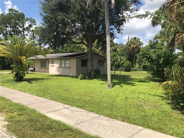 2107 E 6th St, Lehigh Acres, FL 33936