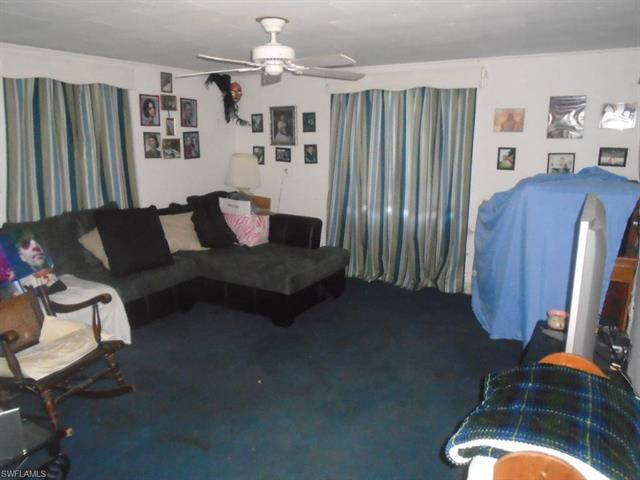 1537 Piney Rd, North Fort Myers, FL 33903