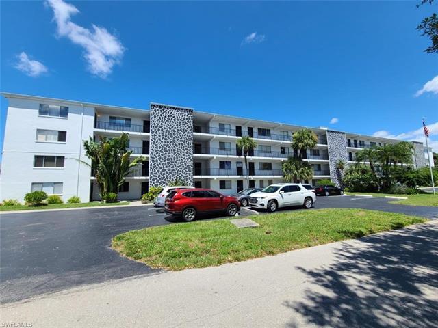 4906 Victoria Dr 405, Cape Coral, FL 33904