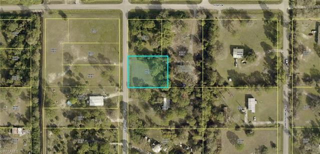 8019 Grady Dr, North Fort Myers, FL 33917