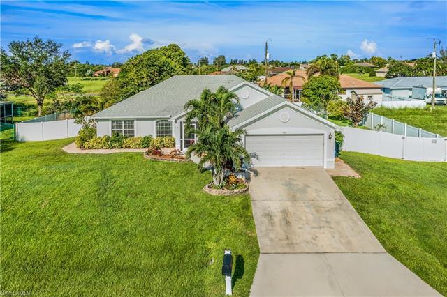 826 Ne 7th Ave, Cape Coral, FL 33909
