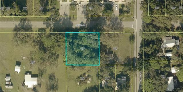 431 Capitol St, North Fort Myers, FL 33903