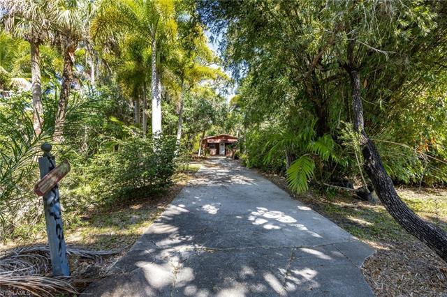 6990 Hendry Creek Dr, Fort Myers, FL 33908