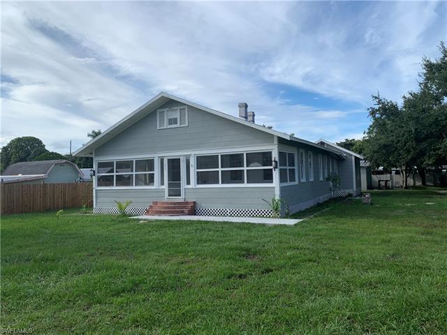 4449 Poinsettia St, Fort Myers, FL 33905