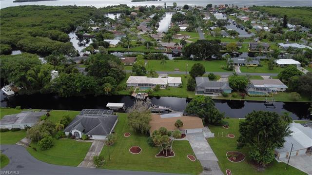 1736 Castaway St, North Fort Myers, FL 33917