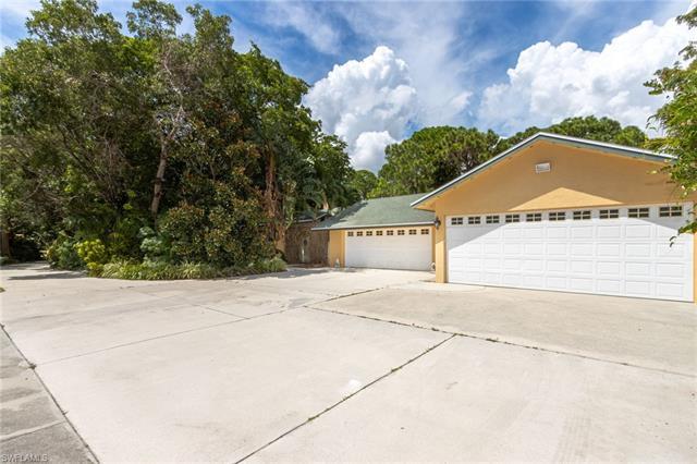 12469 Summerwood Dr, Fort Myers, FL 33908
