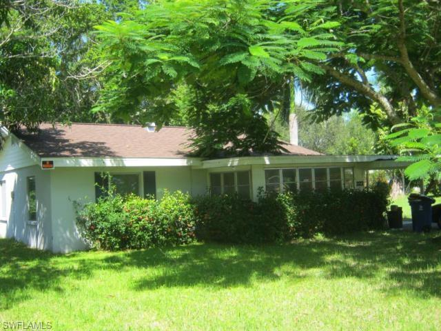 322 New York Dr, Fort Myers, FL 33905
