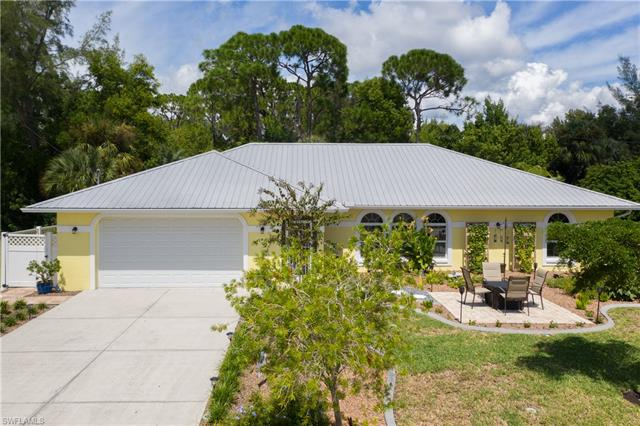 3526 Manatee Dr, Other, FL 33956