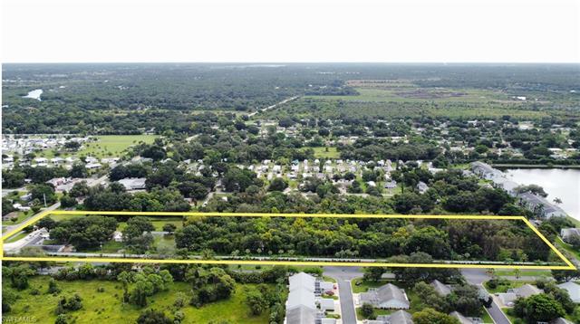 9820 Orange River Blvd, Fort Myers, FL 33905