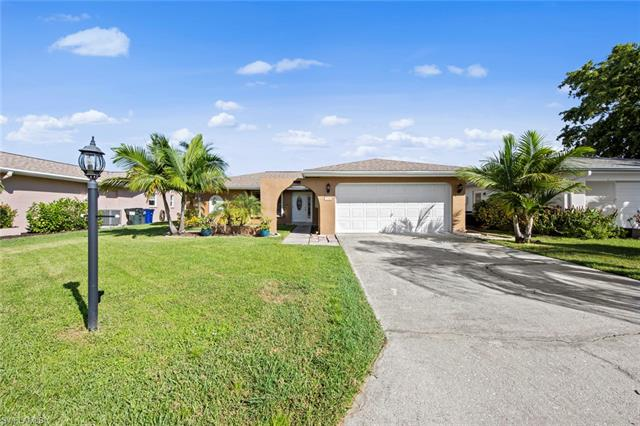 9746 Deerfoot Dr, Fort Myers, FL 33919