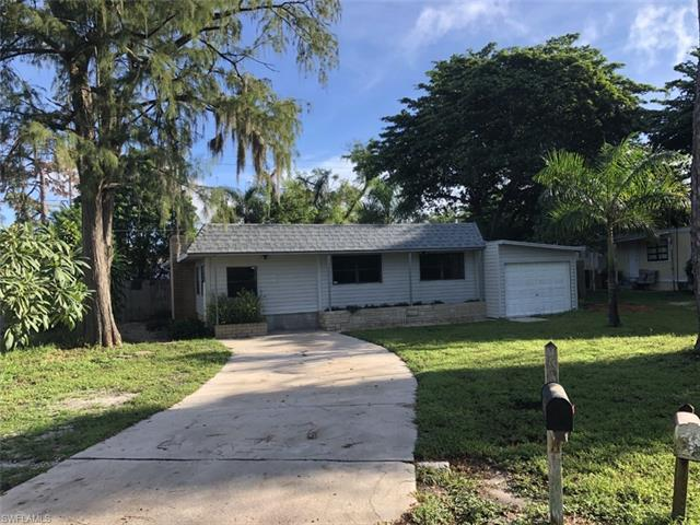 2105 Flowers Dr, Fort Myers, FL 33907