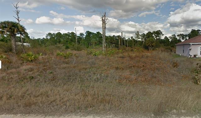 407 Wickham Ave S, Lehigh Acres, FL 33974