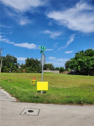 726 Se 9th Ave, Cape Coral, FL 33990