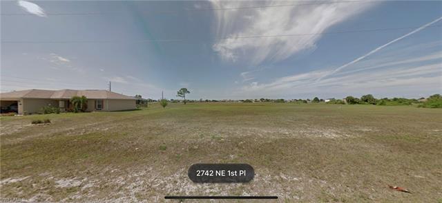 2742 Ne 1st Pl, Cape Coral, FL 33909