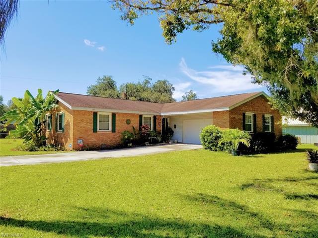 107 Howe Ave, Labelle, FL 33935