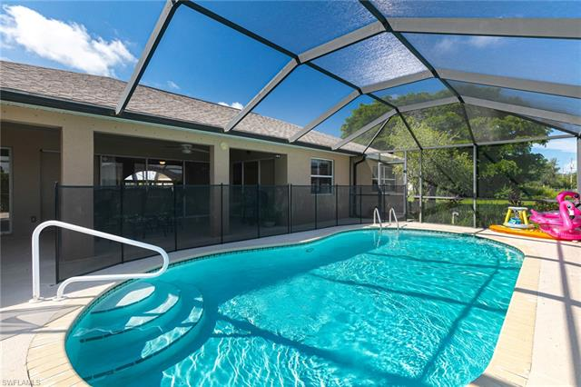 1427 Sw 2nd St, Cape Coral, FL 33991