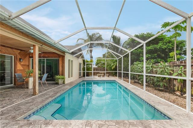 1044 Winsome Rd, North Fort Myers, FL 33903