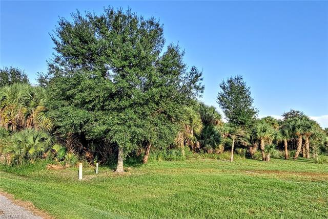 1268 Hicpochee Blvd, Moore Haven, FL 33471