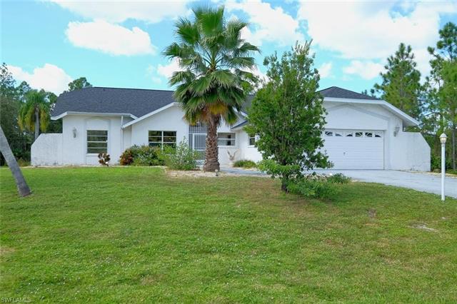 517 Thompson Ave, Lehigh Acres, FL 33972