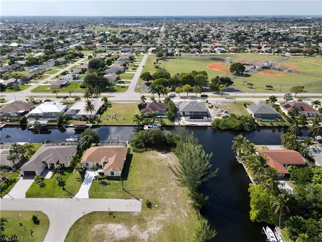 4208 Sw 3rd Ave, Cape Coral, FL 33914