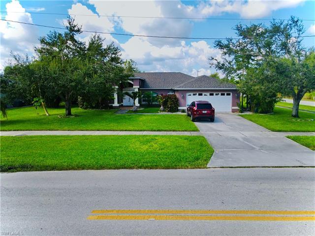 540 Charwood Ave S, Lehigh Acres, FL 33974