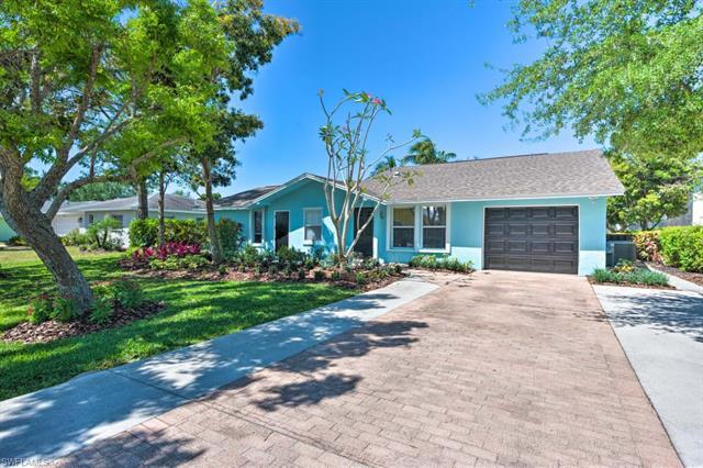 27218 Barefoot Ln, Bonita Springs, FL 34135