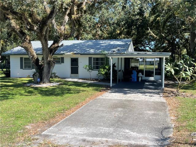 175 Florida St, Labelle, FL 33935