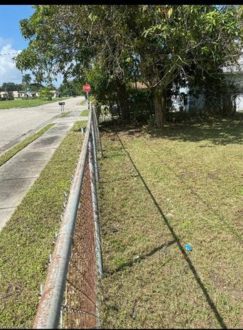 2911 Thomas St, Fort Myers, FL 33916