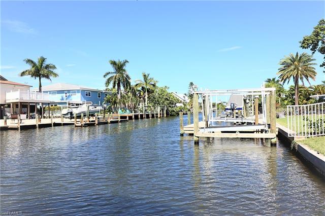 211 Flamingo St, Fort Myers Beach, FL 33931