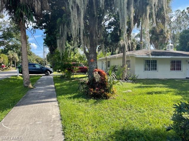 3736 Edgewood Ave, Fort Myers, FL 33916