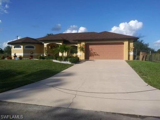 903 E 9th St, Lehigh Acres, FL 33972