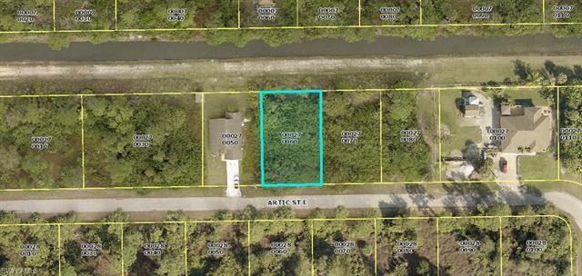 1115 Artic St E, Lehigh Acres, FL 33974