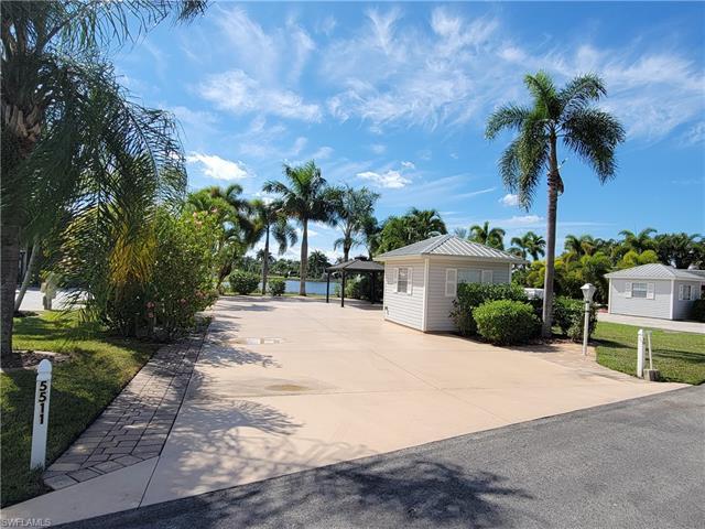 5511 Cypresswoods Resort Dr, Fort Myers, FL 33905
