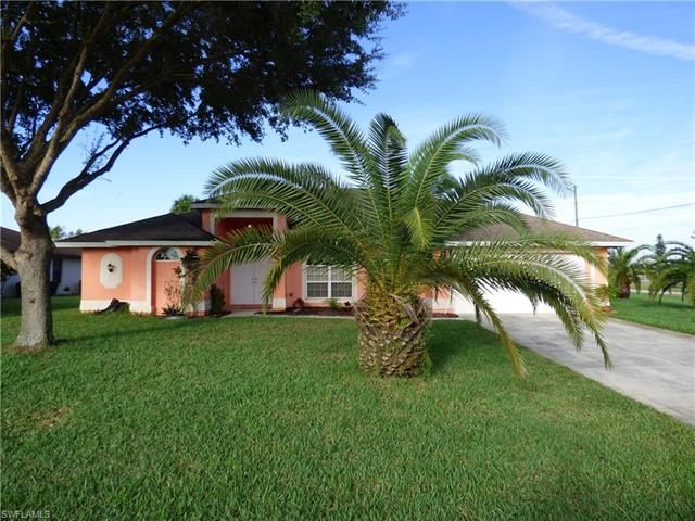 91 Riviera St, Lehigh Acres, FL 33936