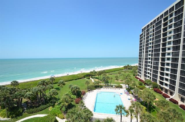 10951 Gulf Shore Dr 304, Naples, FL 34108