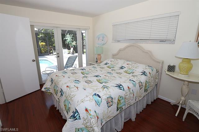 1550 Sandpiper St, Naples, FL 34102