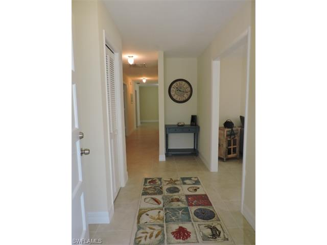 672 104th Ave N, Naples, FL 34108