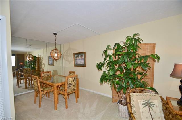 10851 Gulf Shore Dr 1204, Naples, FL 34108