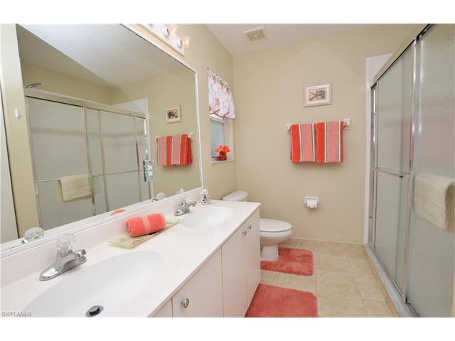 6605 Huntington Lakes Cir 204, Naples, FL 34119