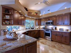 11520 Isle Of Palms Dr, Fort Myers Beach, FL 33931