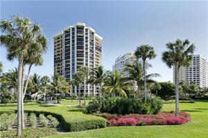 4551 Gulf Shore Blvd N 304, Naples, FL 34103