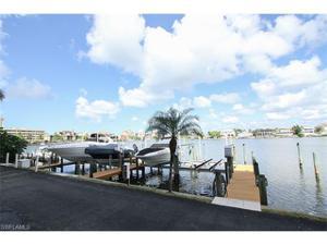 271 Southbay Dr 124, Naples, FL 34108
