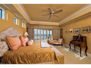 4501 Gulf Shore Blvd N 1202, Naples, FL 34103