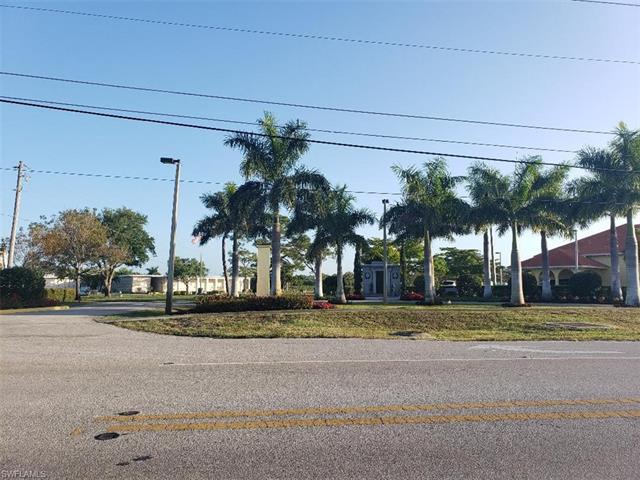 556 111th Ave N, Naples, FL 34108