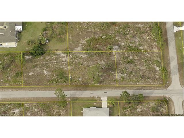 405 9th St, Lehigh Acres, FL 33972