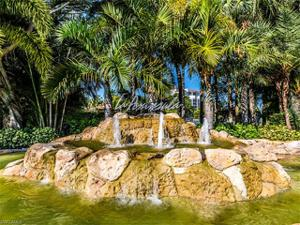 333 La Peninsula Blvd 333, Naples, FL 34113